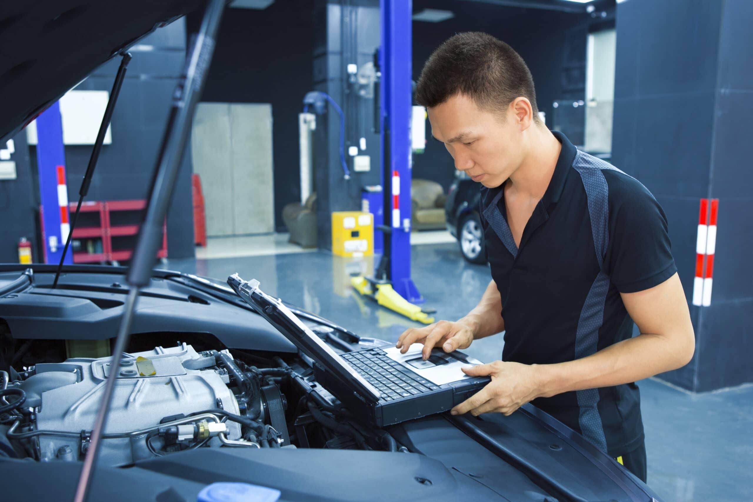 Vuxenutbildning bilmekaniker
