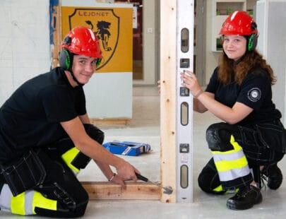 Elever i byggnaden på gymnasiet i Stockholm